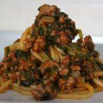 Spaghetti ragù ed erbette