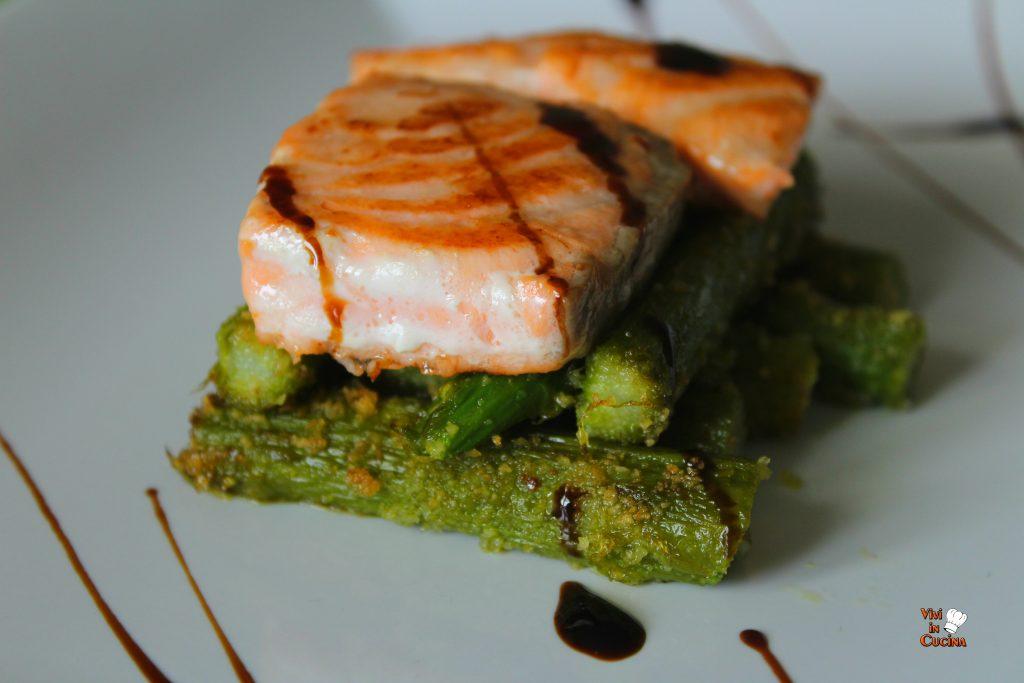 bocconcini di salmone con asparagi