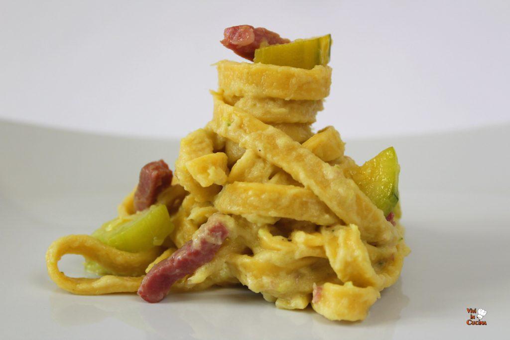 fettuccine zucchine e pancetta