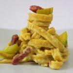 Fettuccine con crema di zucchine e pancetta