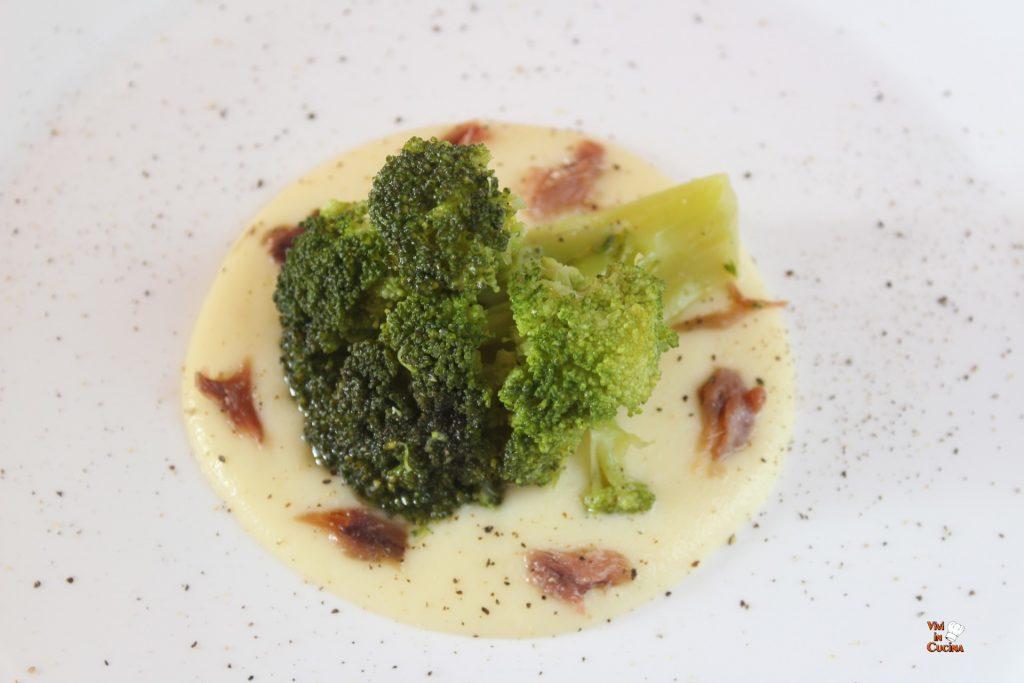 broccolo su besciamella e acciughe