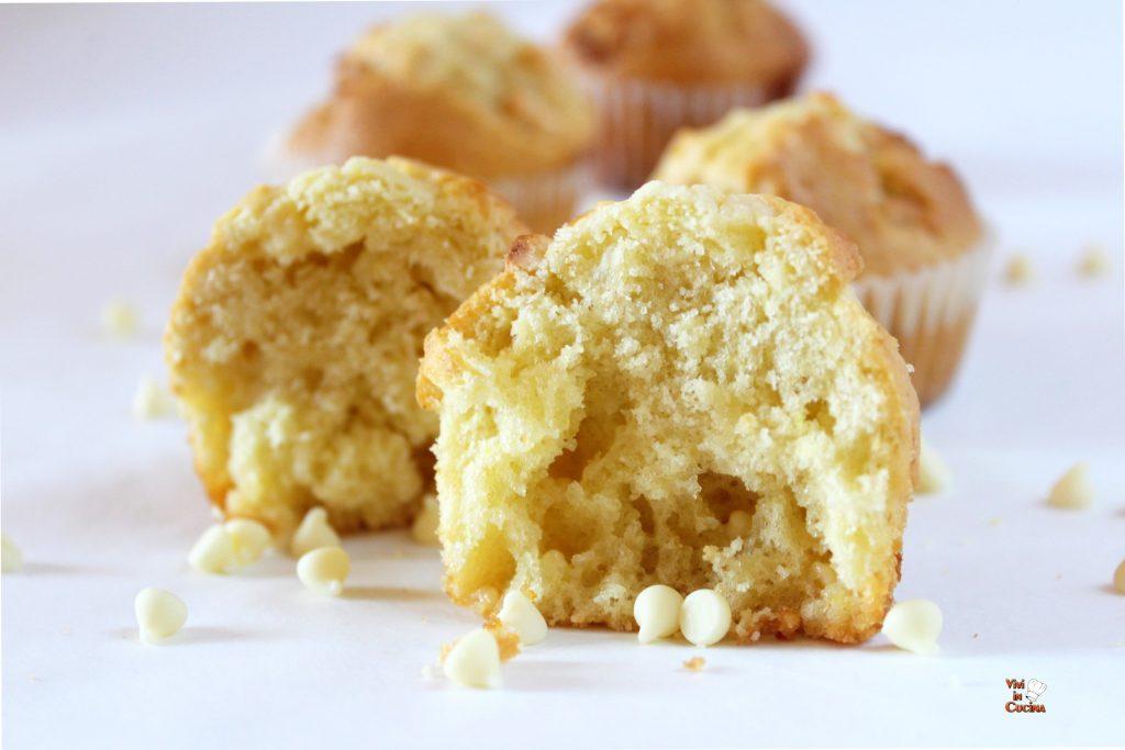 muffin con gocce di cioccolato bianco